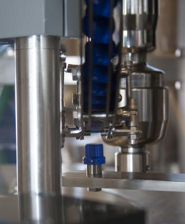 Folyadéktöltő gép tasakokhoz