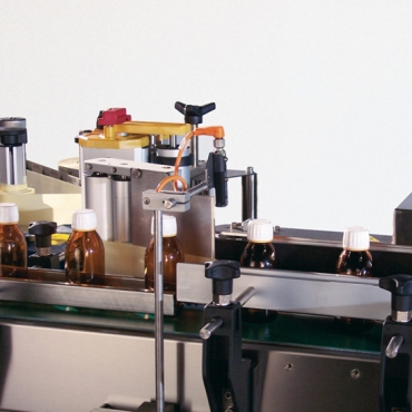 System 1 Twist cimkézőgép